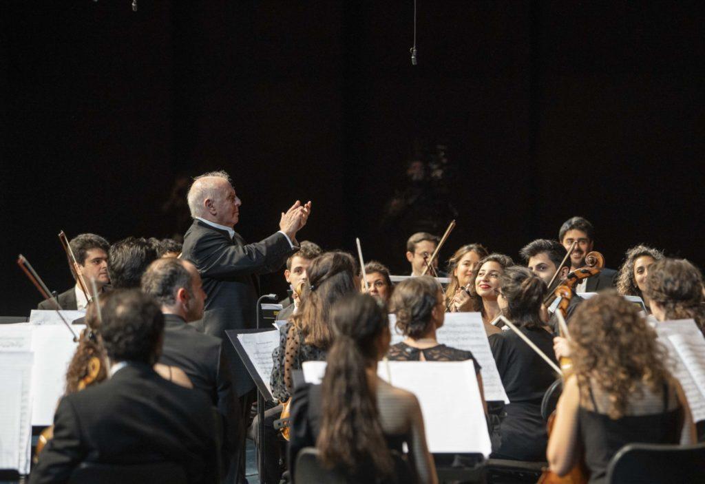 Daniel Barenboim dirigiert mit konzentrierter Gelassenheit in Salzburg