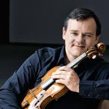 Tragik und Schönheit: Petrenko dirigiert Alban Berg und Dvorak
